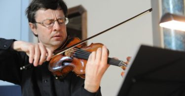 Stuller Gyula hegedűművész